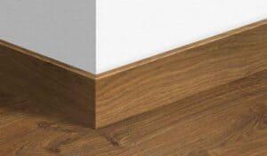 skirting lantai